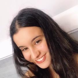 Adriana32