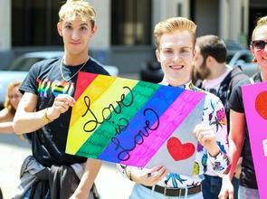 Procuramos pessoas entre os 25 e os 45 anos da communidade LGBTI para um projeto pago em Lisboa