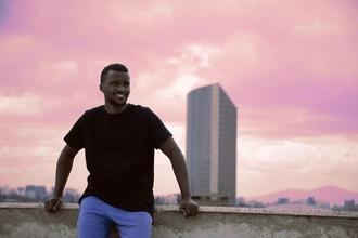 Procuramos homens entre 20-35 anos de origem africano em Lisboa