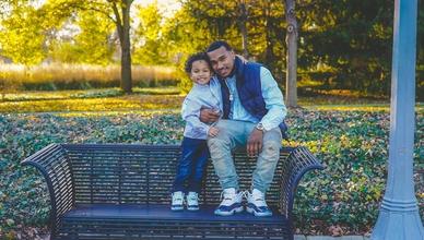 Procuramos pais e filhos reais para projeto publicitário