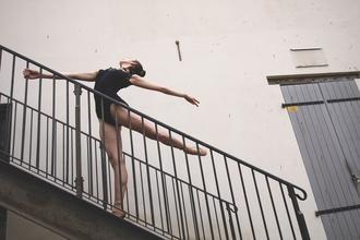 Procuram-se bailarinos profissionais com formação em áreas diferentes para integrarem a peça de dança (Porto/Lisboa)
