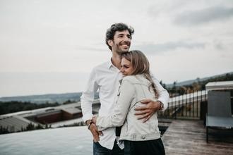 Precisamos de um casal com aparência de 30/35 anos para projeto