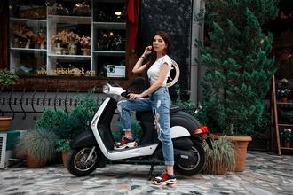 Procuramos pessoas que têm uma scooter entre os 18 e os 28 anos para projeto em Lisboa