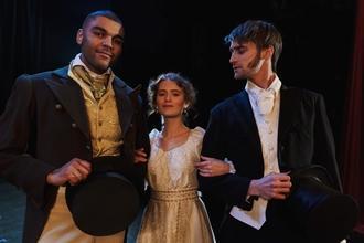 Procuramos ator entre os 20 e os 35 anos para integrar elenco dos espetáculos em Lisboa