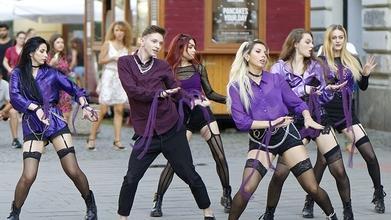 Procuramos Dançarinas, Dançarinos e Mestre de Ceremónias para Cabaret em Zona Centro
